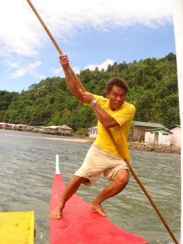 boatman on camiguin 2